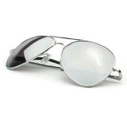 e7685f5f7569d Les lunettes Aviator se caractérisent également par leur clarté. Que ce  soit pour les hommes comme pour les femmes